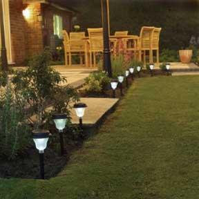 landscape garden lights for side and backyard lighting